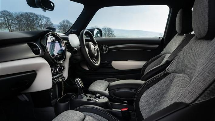 MINI Electric Hatchback 135kW Cooper S Collection Edition 33kWh 3 Doors Auto