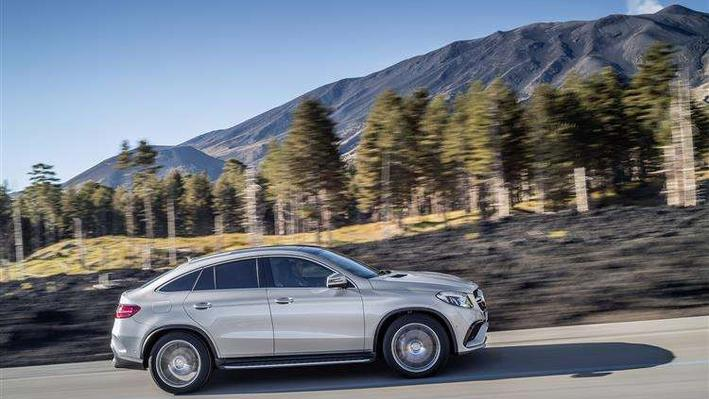 Mercedes-Benz GLE Coupe GLE 400d 4Matic AMG Line Premium + 5 Doors 9G-Tronic