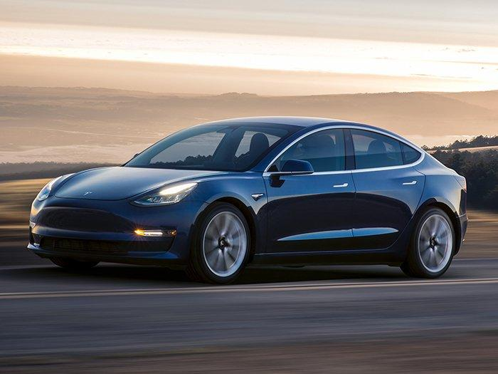 Tesla Model 3 Saloon Long Range AWD 4 Doors Auto